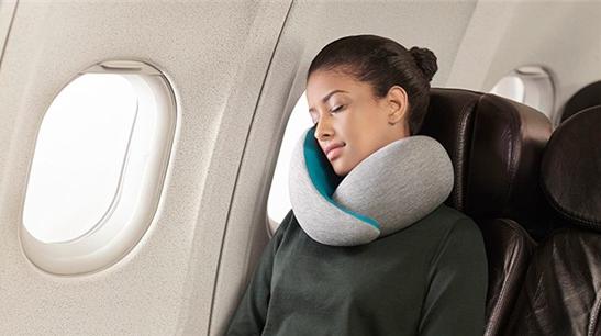 Kinh nghiệm chọn mua gối kê cổ đi máy bay không phải ai cũng biết