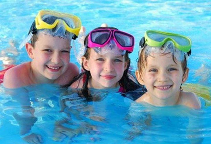 nút bịt tai khi bơi