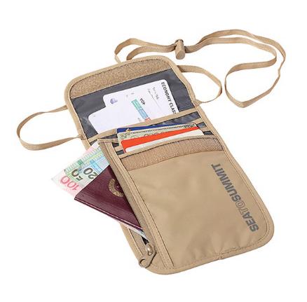 túi đựng passport có dây đeo khi đi du lịch