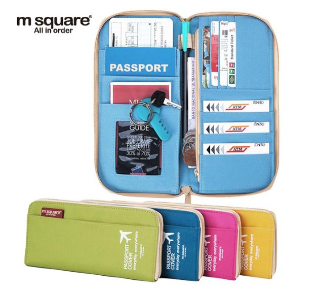 ví đựng passport của Msquare còn có tới 4 màu: xanh cốm, Blue, hồng và vàng