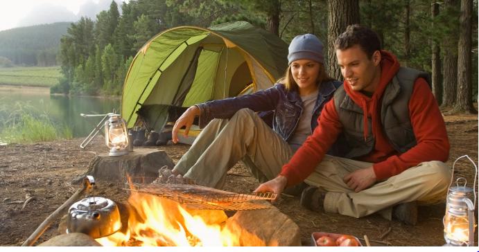 Đi cắm trại cần chuẩn bị những gì?