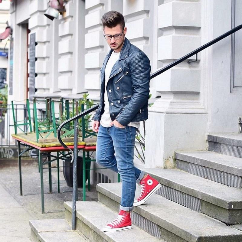 cách phối đồ với giày thể thao đỏ